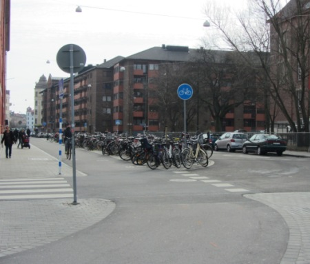 Cycle track, Triangeln
