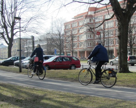 Cycling in park, Malmo
